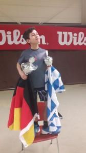 Marco mit 2 Pokalen in Holland