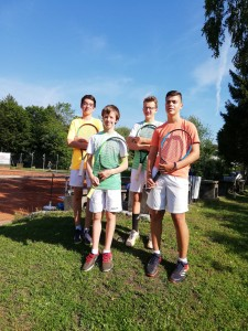v.li.: Konstantin Holthoff, Oscar Weidner, Lorenz Hieber, Luka Radulovic