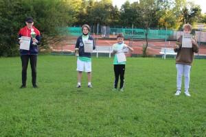 Die Sieger v.li.: Jonas Waldmann (U18), Julius Beer (U15), Kaspar Hieber (U10), Ferdinand Daser (U12)