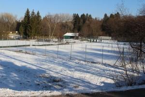 Tennisanlage im Winter